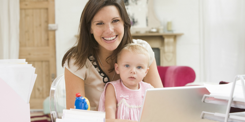 Как заработать деньги в декрете сидя дома без интернета своими руками