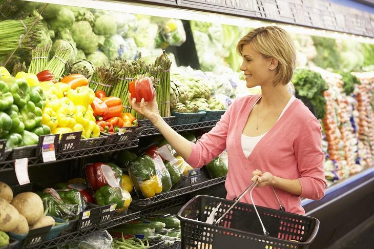 Покупка сезонных овощей