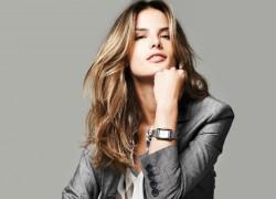 Как правильно подобрать женский деловой костюм?
