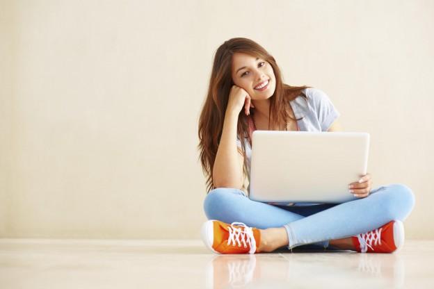 Как зарабатывать девушке в интернете подумалось