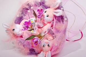 Композиция с розовыми зайчиками