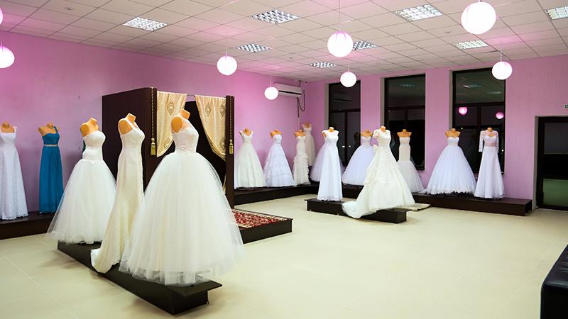 Ассортимент платьев