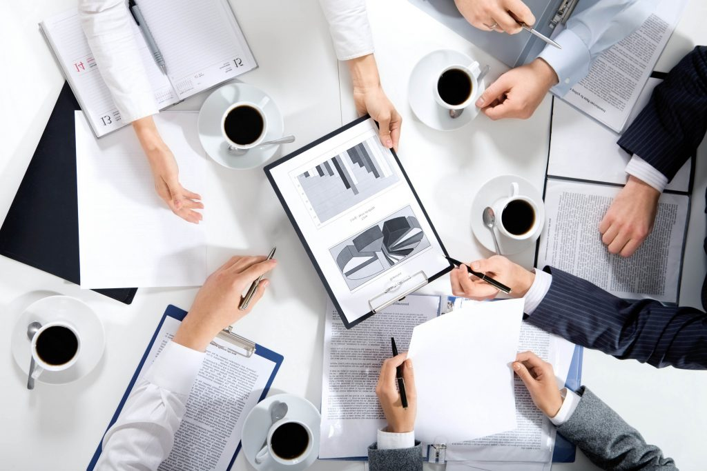 Как организовать бизнес на тренингах: 3 идеи, которые помогут заработать на страхе перед публичными выступлениями